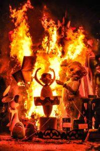 Hogueras de San Juan en Alicante. Fiesta en la Comunidad Valenciana