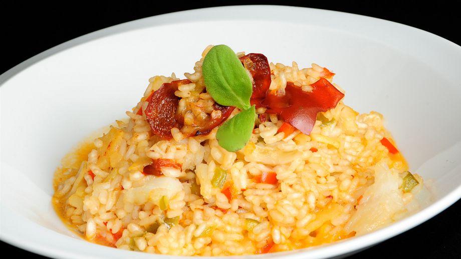 Plato de arroz con bacalao, comida típica de Semana Santa