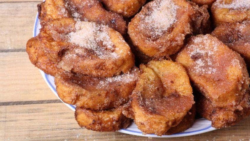 Plato de torrijas, comida típica de Semana Santa